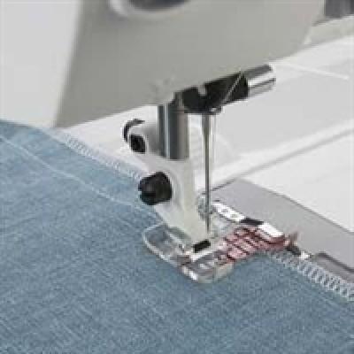 Husqvarna Viking® Klar trykfod med styrekant-3