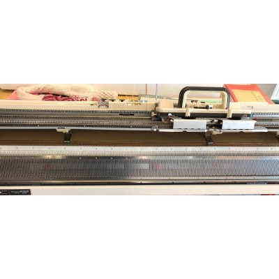 brugt strikkemaskine model 700 med ribapparat Srp 50-01