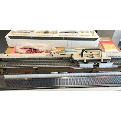 brugt strikkemaskine model 700 med ribapparat Srp 50-31